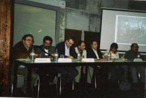 Col·loqui amb els regidors del primer consistori democràtic. D'esquerra a dreta: J. Casado (secretari), P. Bufí (alcalde), A. Climent, J.Ventura, J. E. Gispert, Mª D. Galán i A. Fornies (regidors).