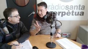 Ernesto Vilàs (esquerra) i Andrés Aracil (dreta) en un moment de l'emissió de la secció Història al detall al programa Fem Matí de Ràdio Santa Perpètua. Foto EVG 2018